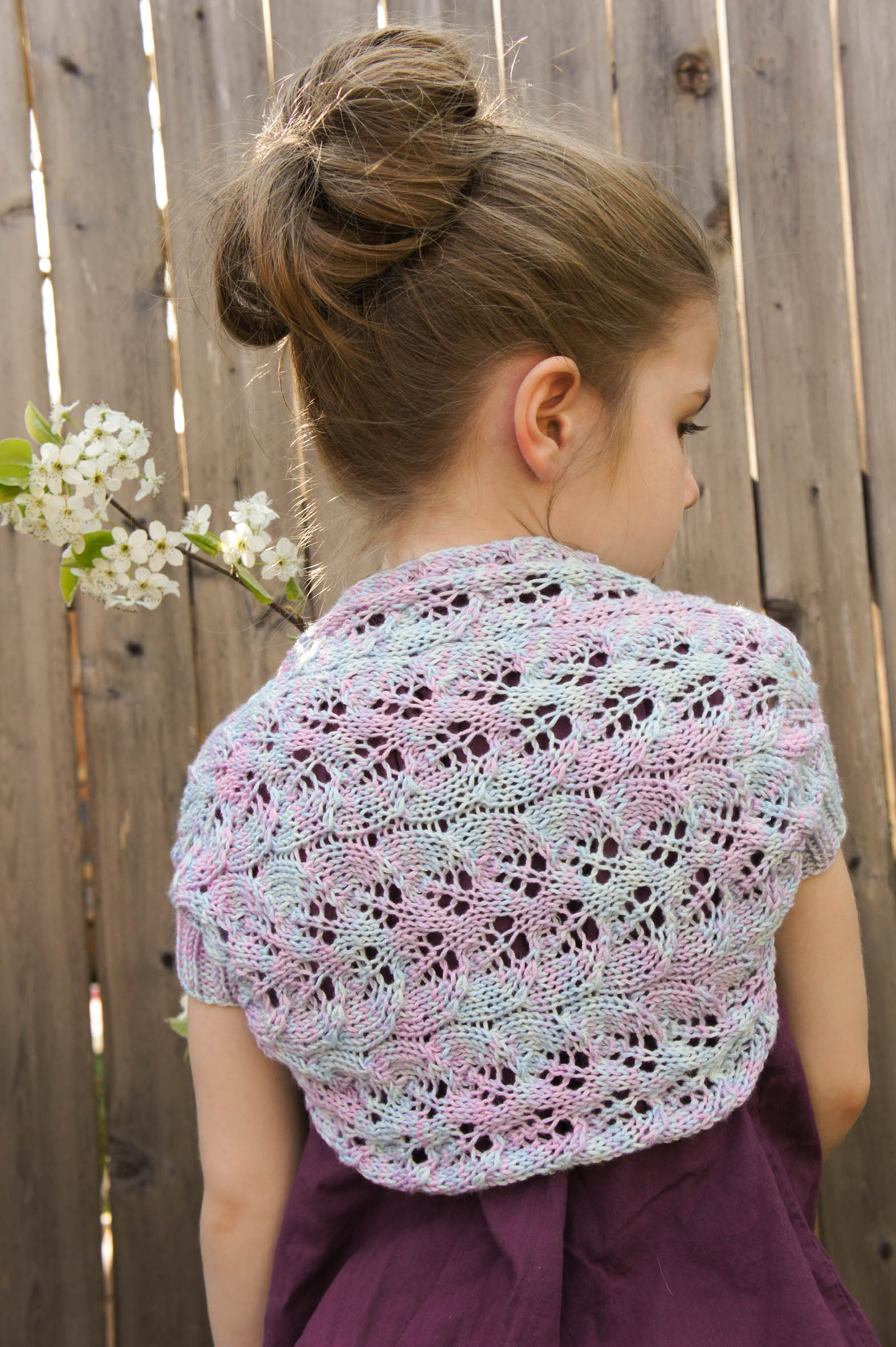 Bolero Shrug Knitting Patterns Free With Pictures : Brynna s Shrug TanisKnits