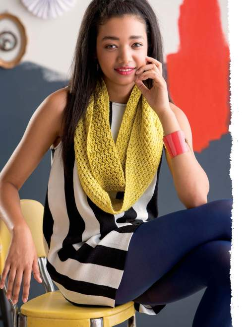 The Art of Slip-Stitch Knitting - Zlaty dest Cowl beauty image